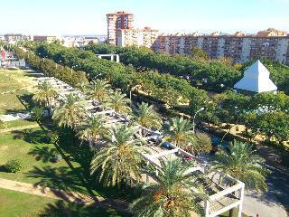 Centric, Bright, Fabby Condo Huelva