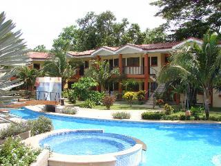 Cocomarindo Villa Hazel No 32-Modern style!, Playas del Coco