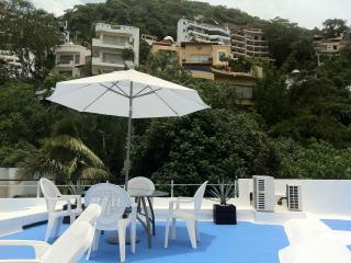Conchas Chinas Pool Jazuzzi Villa -(SLEEPS 7), Puerto Vallarta
