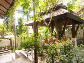 Peaceful Spa resort villa with tropical magic