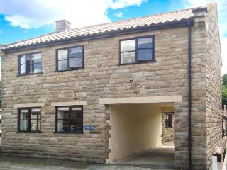 BROOKWOOD COTTAGE, family friendly, country holiday cottage, with a garden in Thornton-Le-Dale, Ref 514, North Yorkshire