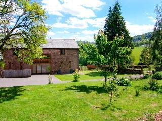 CWRT ST THOMAS, modern barn conversion, WiFi, woodburner, beautiful countryside