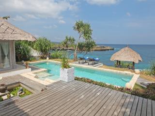 Villa Lumba Lumba ..spectacular waterfront .
