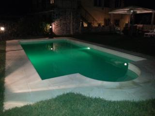Villa Monticello Holiday Home, Private Pool, Montefegatesi