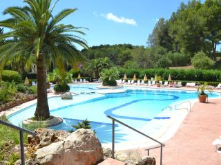 Golf Apartment. Heated pool for winter., Bendinat