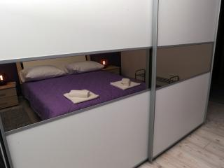 New Apartment With Free Parking And Wifi, Split