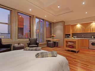 Cinnamon Studio One Bedroom