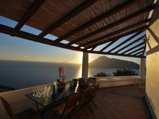 Casa del tramonto isola di Lipari Eolie