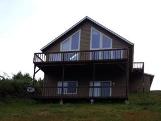 Ocean View Chalet Near Beach and Casino, Lincoln City
