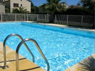 Superb 3 Bed Apart in Agde - Pool and Parking