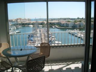 1 Bed Apart in Cap D'Agde with Pool & Port Views, Cap-d'Agde