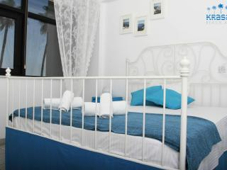 Larnaca Beach 1 B/rm with Sea View Holiday Rental, Larnaka City