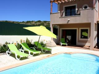 DomusIberica Townhouse in Burgau with private pool and 5 minutes walk to beach.