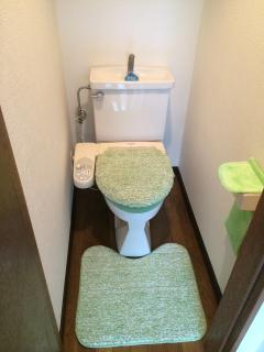 1F Toilet with Washlet