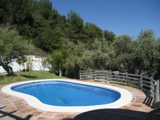 4 Bed villa with its own pool & stunning views + WIFI