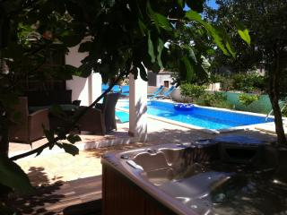 Beautifull luxury Villa,pool and spa-Hvar town