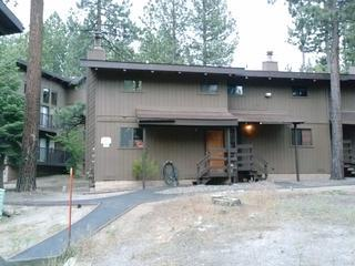 awsome down the street from heavenly valley up the street from the lake tahoe very few stairs