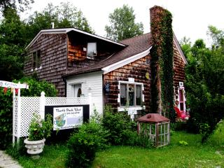 North Park West, a weekly vacation rental in beautiful Suttons Bay MI