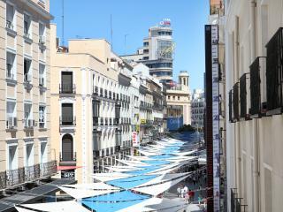 Preciados - 3 Bedroom/ 2Bathroom - Madrid Center