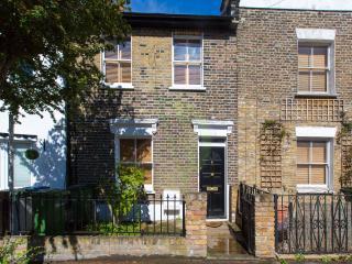 Stylish Period Cottage, London