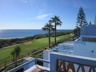 House «Casa Azul » : Golf, Beach + fantastic View, Alcaidesa