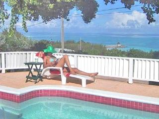 Miss P's Place: Perfect Place for Family & Friends, Silver Sands