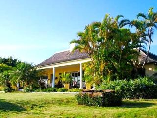 Villa Kelso: Spectacular View & Experienced Staff