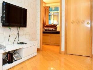 Centrally Located (SK7) 3 Bedroom Rental, Hongkong