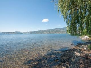 Step onto Lake Okanagan! Amazing location, Kelowna