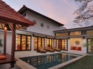 Seminyak Stylish Villa (2)