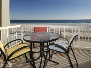 Caribbean 201 ~ Real Beachy Condo with Garden Tub~Bender Vacation Rentals, Gulf Shores