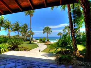 Villa Ataraxia - Luxury Beachfront Vacation