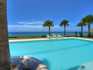 Spectacular oceanfront villa with 9 hole golf putting green