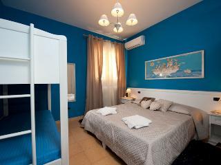 Azzurra room: 1 double bed, 1 bunk bed