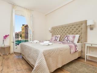 SPALATUM LUXURY ROOMS 103 ****, Split