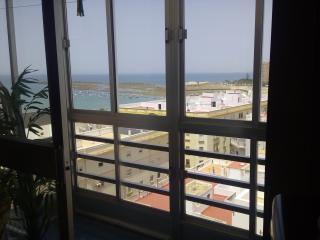 piso a pie de playa en centro de Cadiz