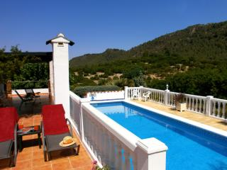 Para Dos  for 2. Rural cottage private heated pool, Alzira