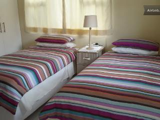Cottage ~ Self Catering with Secure Parking, Durban