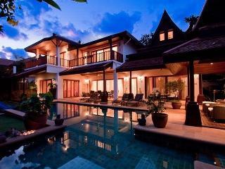 Luxurious Modern 5 Bedrooms Villa in Laem Set