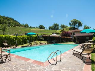 VILLA CATERINA: Villa in Tuscany with private pool  wifi and fenced garden Italy
