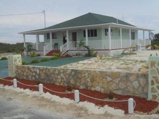 Tranquil Sunrise Cottage, Gran Exuma