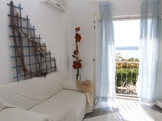 Lovely apartmnet near the beach, Donji Seget