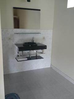 Modern washroom sink