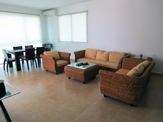 F3-7A.  2 bedroom Condo,  Panama Playa Blanca, Farallon