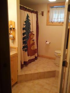 Full Bath #2 with Tub/Shower - lower level