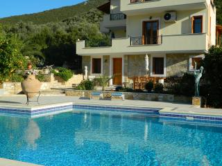 Epidavros Apartment, large with private pool