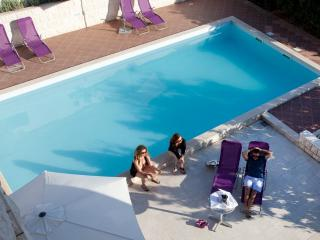 3 bedroom apartment R3 in villa with pool