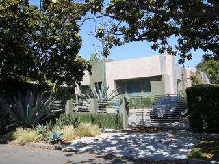 West Hollywood Luxury 3  Bedroom Compound (4133), Los Angeles