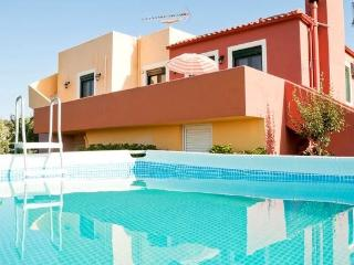 Villa Panorama private pool & stunning seaview & outdoor Jacuzzi,3bedrooms,BBQ, Chania Prefecture