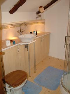 Third floor bathroom with shower
